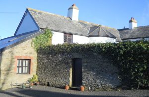 The Long Linhay holiday cottage, Mortehoe, from outside the courtyard